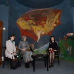Ceylan Gürman Şahinkaya – Stockholm'de Cumhurbaşkanı Abdullah Gül'ün eşi Hayrünnisa Gül ile İsveç Kraliçesi Silvia'nın kütüphane ziyareti (2013)