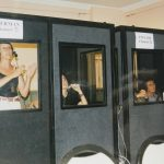 Solda ayakta: Fatma Artunkal, en sağda Nigar Alemdar – Almanca kabininde hararetli bir çeviri anı. (1990'lı Yıllar)
