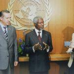 Hande Güner – Birleşmiş Milletler binasında Başbakan Recep Tayyip Erdoğan ile BM Genel Sekreteri Kofi Annan'ın görüşmesi (2005)